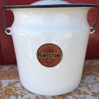 Enamelware pot Lisk Savory handle and cover chamber pot slop bucket