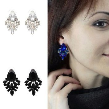 ONETOW The new fashion female alloy crystal inlaid earrings. Shaped water drops earrings accessories