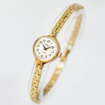 Gold plated women's watch bracelet Seagull, vintage tiny lady's watch, round watch jewelry, cocktail watch lady gift, small evening watch