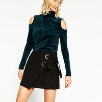 VELVET CUT-OUT SHOULDER SWEATER DETAILS