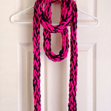 Handmade Hot Pink and Black Women's Chunky Finger Knit Scarf