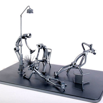 Block Party - Drunk People - MetalDiorama Metal Art Sculpture
