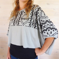 Grey T-shirt Oversize ethnic style, tribal printed design, short batwing sleeves, Spring trends