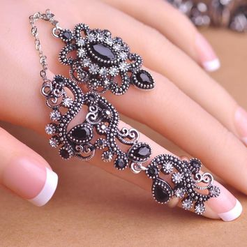 Free Shipping - Carved Vintage Pretty Exquisite Finger/Thumb Ring