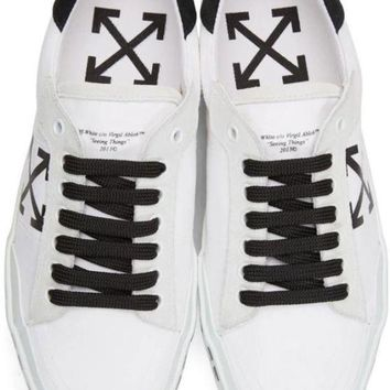 Off-White Vulcanised Arrows sneakers Low Top ¡°White&Black¡± OWIA062E176390830110