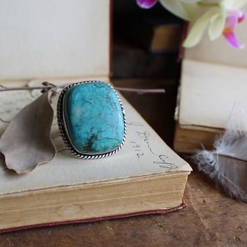 Size 8.5 - Blue Turquoise Howlite Silvertone Ring