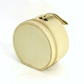 "Vintage Round Zippered Case | Travel Bag with Carry Strap ""Travel Mates by Pyramid"" Tan Color 