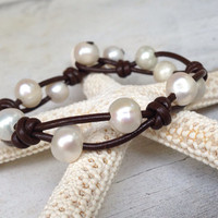 Leather freshwater pearl bracelet;pearls and leather; pearl on leather