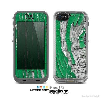 The Green layer on White Aged Wood  Skin for the Apple iPhone 5c LifeProof Case