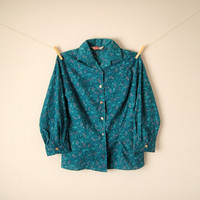 Vintage. 50's Teal Blue Paisley Button Up Blouse. Shirt. Collar. 3/4 Sleeves. Tailored. Gold Buttons. Retro. Classic. Medium M