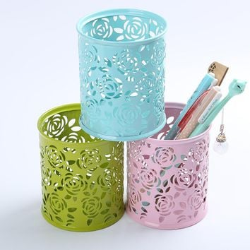 1 PC Fashion Creative Pen Holder Hollowed Out  Iron Spraying Plastics Pencil Pot Students Stationary Rose Flower Pen Case