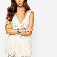Band of Gypsies V Neck Top In Daisy Lace