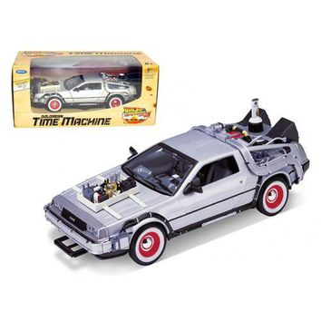 """Delorean From Movie """"Back To The Future 3"""" 1/24 Diecast Car by Welly"""