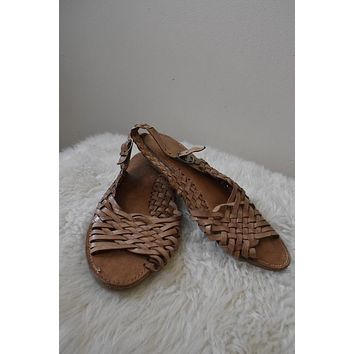 Vintage Genuine Leather Tan Woven Sandals (8.5)