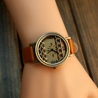Vintage Style Watch with Waves Brown