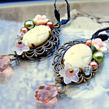 Vintage Cameo Earrings, Pink Vintage Earrings, Repurposed Pink Dangle Earrings, Vintage Jewelry, Vintage Jewellery
