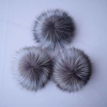 CREYCI7 Beanie Time-limited Dot 3pcslot 2017 Big Genuine Real Fox Fur Pompom Pom Poms Hair Accessories Pompon Ball For Shoes Hats Bags