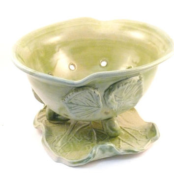 Kitchen Food Prep Strainer Green Pottery Berry Bowl on Leaf  -SHIPS TODAY ceramic colander -  teacher or hostess thank you