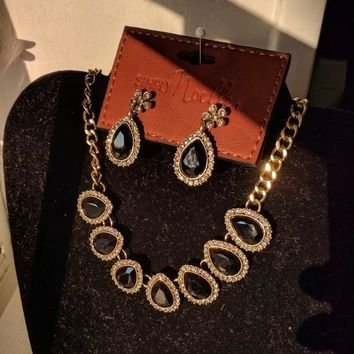 Teardrop Brushed Gold Chain Necklace and Earrings