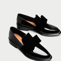LOAFERS WITH VELVET BOW DETAILS