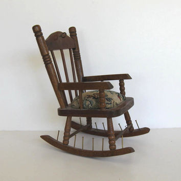 Spool Holder, Pin Cushion, Vintage Rocking Chair,  Home Decor, Spool Holder, Home, Retro collectible