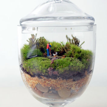 Moss terrarium // Little People // Woodland Lovers 1 // Apothecary Jar Planter // Living Home Decor // Indoor Garden // Gift Ideas