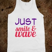 Just smile && wave - JD's Boutique