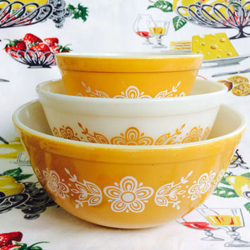 Pyrex Butterfly Gold Nesting Mixing Bowls 401 402 403 Vintage Kitchen Milk Glass