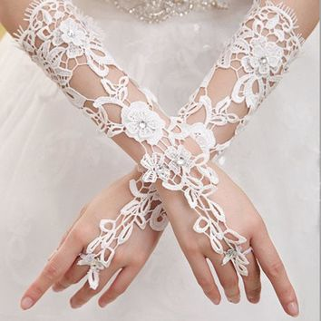 1 pair White Indoor Decoration Prom Gloves Sexy Lace Flower Rhinestones Fingerless Gloves Beautiful Party Gloves