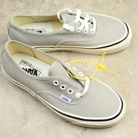 Vans Authentic Grey Low-help Women Men Sneaker