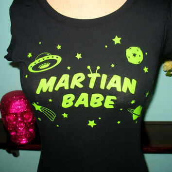 Martian Babe - Space Alien T-Shirt Size 2X PLUS SIZE