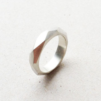 facet ring / daily simple faceted silver ring to wear each day everywhere