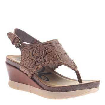 New OTBT Women's Sandals Meditate in Hickory Brown