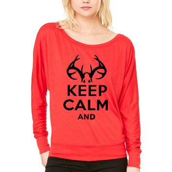 keep calm and deer hunt text WOMEN'S FLOWY LONG SLEEVE OFF SHOULDER TEE