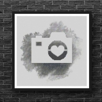 Vintage Silhoutte Camera on Black and White Cross Stitch Pattern
