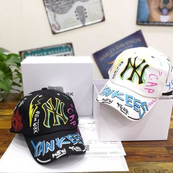 """New York Yankees"" Unisex Fashion Edgy Graffiti Letter Baseball Cap Couple Peaked Cap Sun Hat"