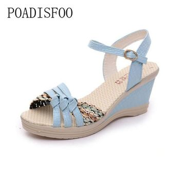 2017 Women Platform Sandals Wedges Metal Button Sandals Buckle Weave Thick Bottom Sh