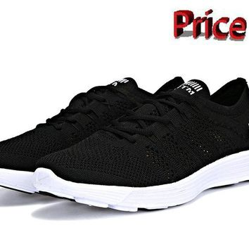 street styles Nike HTM Flyknit Trainer+ Black White Black 535089 090 shoes