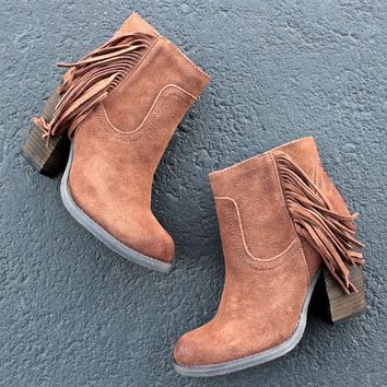 sbicca marimba suede ankle boots with fringe - in tan
