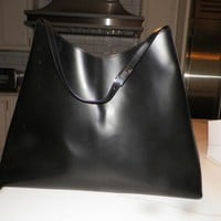 WOMAN'S AUTHENTIC GUCCI BLACK LEATHER LARGE TOTE BAG GOOD USED CLEAN 19""