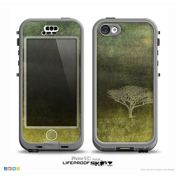 The Deep Green Tree Pastel Painting Skin for the iPhone 5c nüüd LifeProof Case