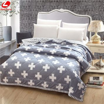White Grey summer quilts flower throw duvet 150*200cm quilted quilts Nordic style bed linens Patchwork quilts Brief home decor