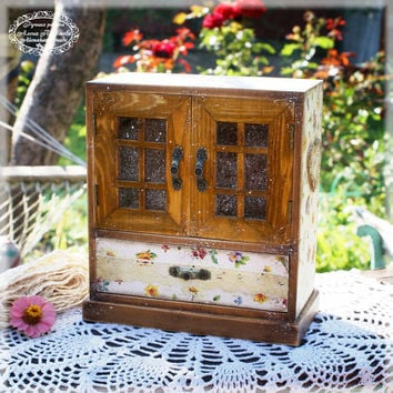 Provincial summer - rusticl style  wooden Mini chest drawers, Vintage look