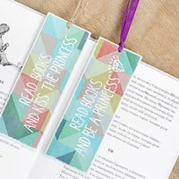 "Gift for Couple - Gift for geeks -  Gift for nerd - Funny bookmarks with messages ""Read books and be a princess"" and ""... kiss the princess"""
