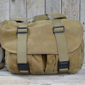 Filson Tin Cloth Medium Waxed Cotton Field Bag in Dark Tan