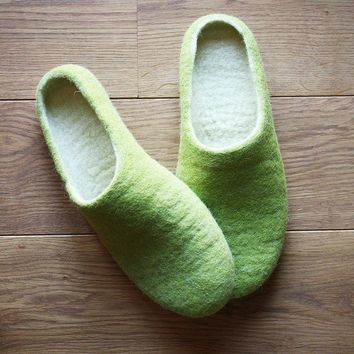 Vanilla Pear / Felted slipper/ MADE TO ORDER by onstail on Etsy
