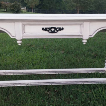 Refinished Chalk Painted Sofa Table/ Entry Table in Annie Sloan Chalk Paint