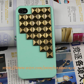 Bronze Pyramid Stud Light Green  Hard Case Cover or Apple iPhone 4 Case, iPhone 4s Case, iPhone 4 Hard Case HW003