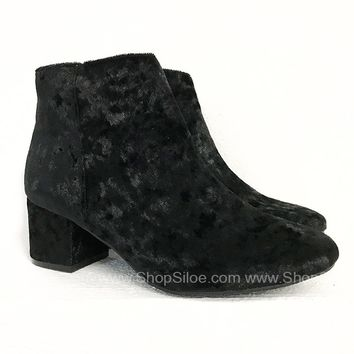 Crush Velvet Booties | Black