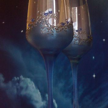 Set of 2 hand painted champagne flutes Lace in Silver and Blue color Gatsby style